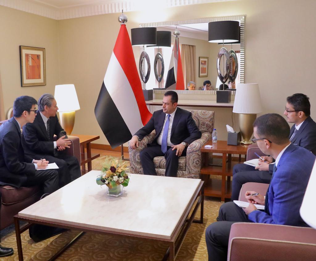 رئيس الوزراء يستقبل السفير الصيني والأخير يجدد حرص بلاده على وحدة اليمن
